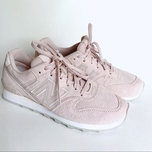 Women's New Balance 696 pink suede shoes US size 7